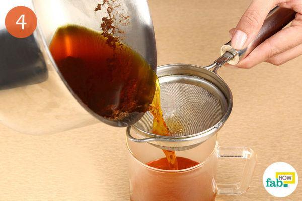 चाय को छान लीजिये