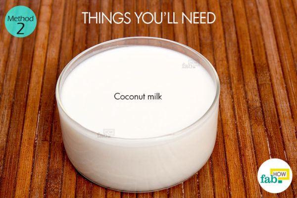 नारियल दूध द्वारा उलझे और कड़े बालों से छुटकारा पाने के लिए आवश्यक सामग्री