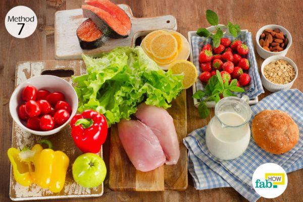 प्रोटीनयुक्त आहार का सेवन करें