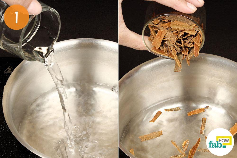 दालचीनी को पानी में डालकर उबालिए