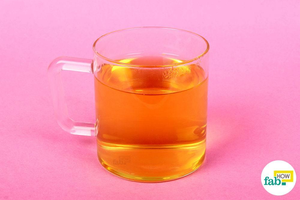 कैमोमाइल की हर्बल चाय तैयार है