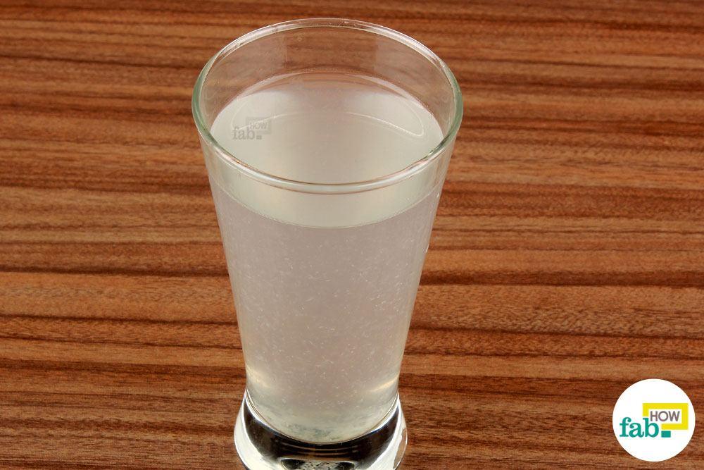 निम्न रक्तचाप के लिए नींबू के पानी का सेवन कीजिये