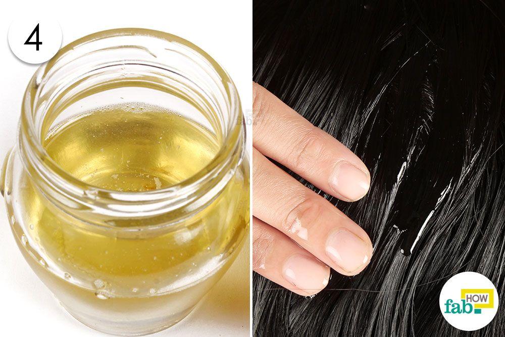 तेलों के तैयार मिश्रण को बालों पर लगायें