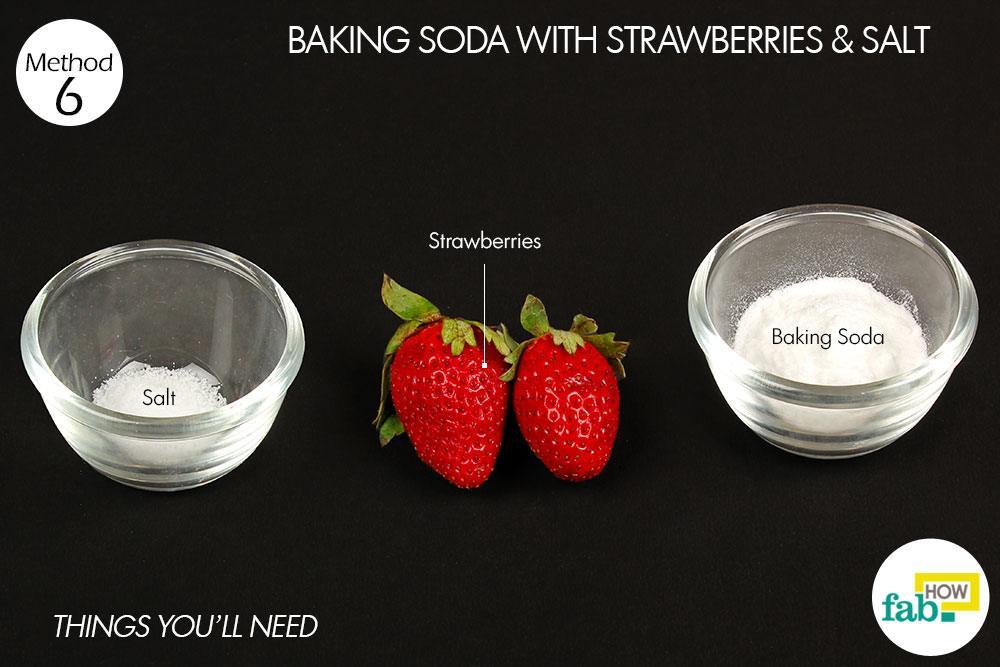बेकिंग सोडा, स्ट्रॉबेरी और नमक का पेस्ट बनाने के लिए आवश्यक सामग्री