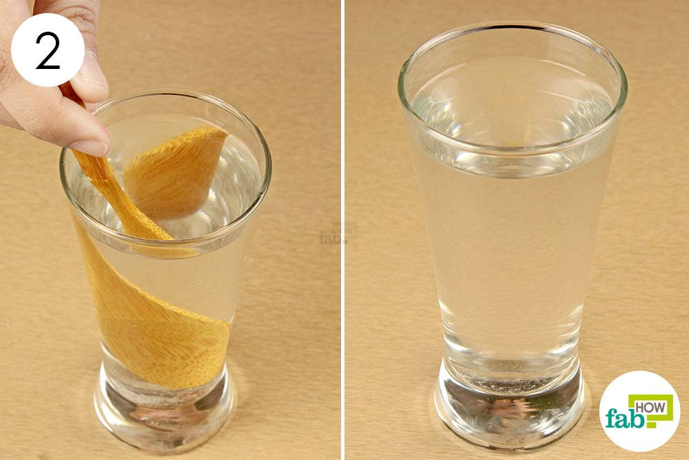 नमक और पानी के मिश्रण से कुल्ला कीजिये