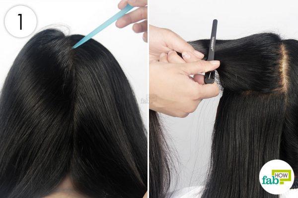 बालों को नोकदार कंघी से कई भागों में कर लीजिये