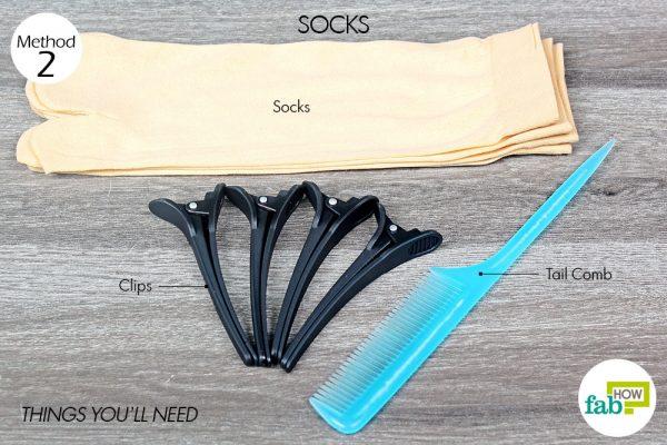 मोज़े के इस्तेमाल से बालों को कर्ल करने के लिए आवश्यक सामग्री
