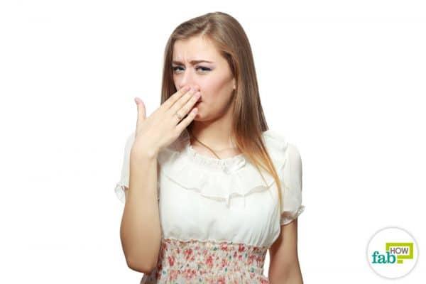 साँसों से शराब की गंध दूर करने के कारगर उपाय