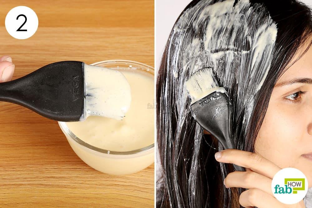 तैयार पेस्ट को बालों पर लगाएं