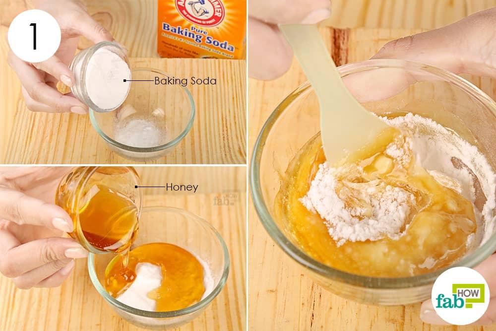 शहद और बेकिंग सोडा से पेस्ट तैयार करें