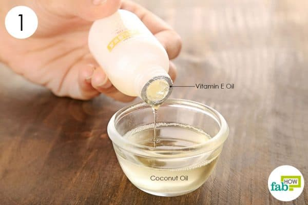 विटामिन-ई तेल को नारियल में डालिये
